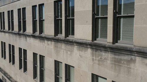 Wall_of_Windows_Grunley